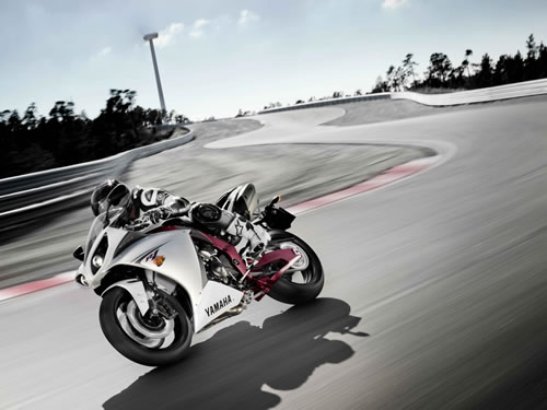 2009 Yamaha R1 Best Action