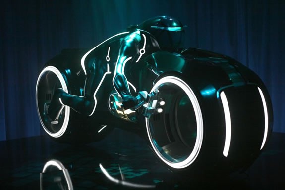 tron_light_cycle_07