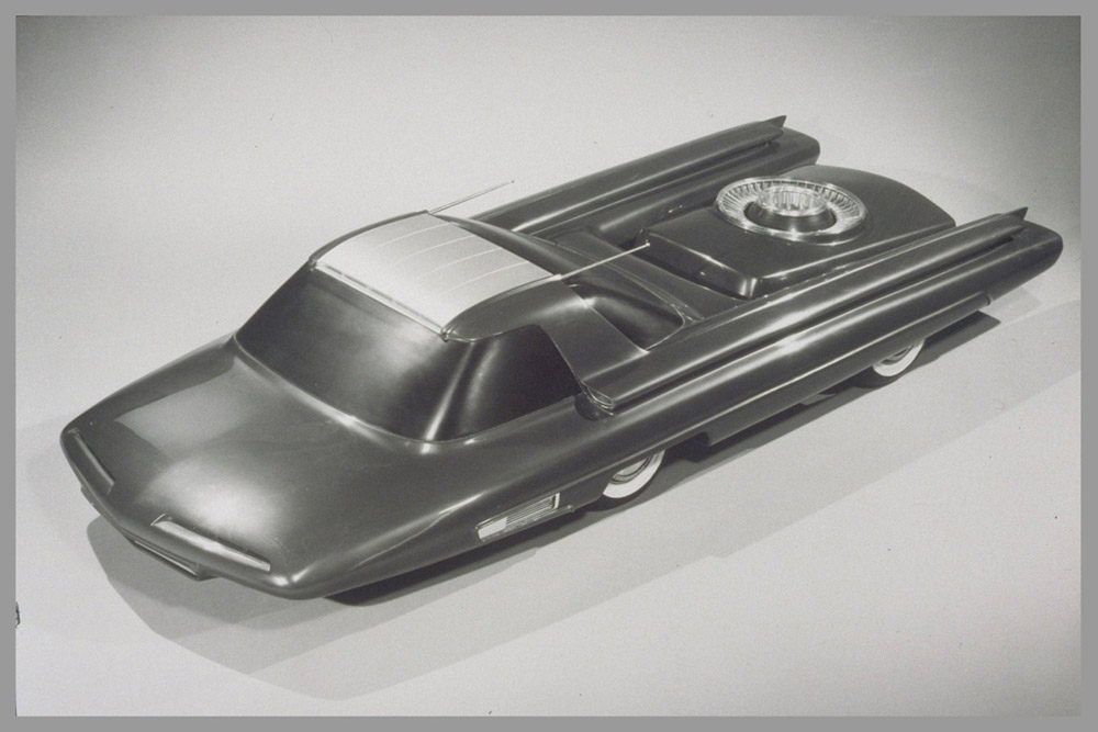 The availability of Uranium refuelling proved to be a sticking point for the Ford Nucleon. Combined of course with the possibility of multiple=