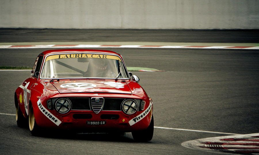 The eternally pretty 105 series Alfas do things to us...