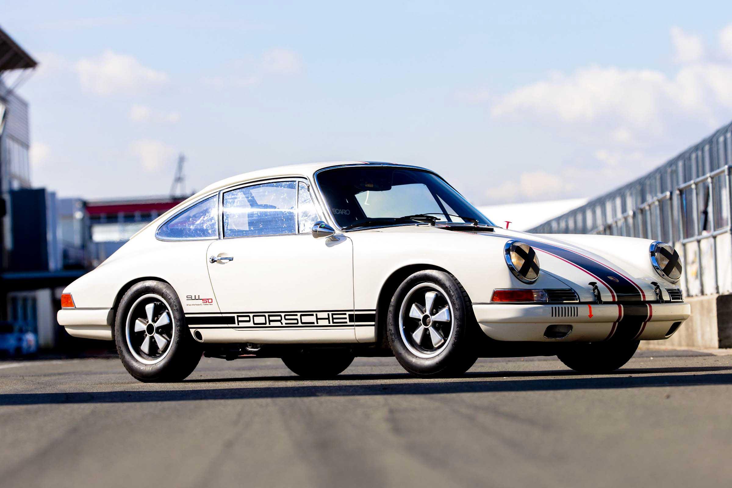 Porsche-911-4 (1 of 1)