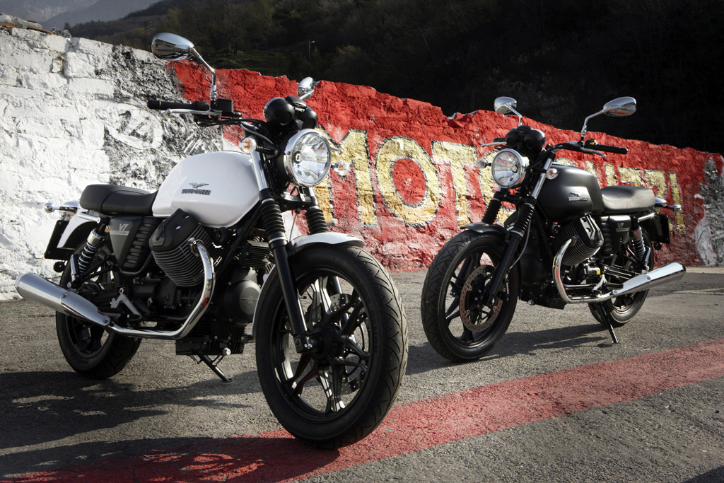 032812-2012-moto-guzzi-v7-stone-05