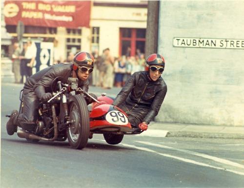vintage_sidecar_racing
