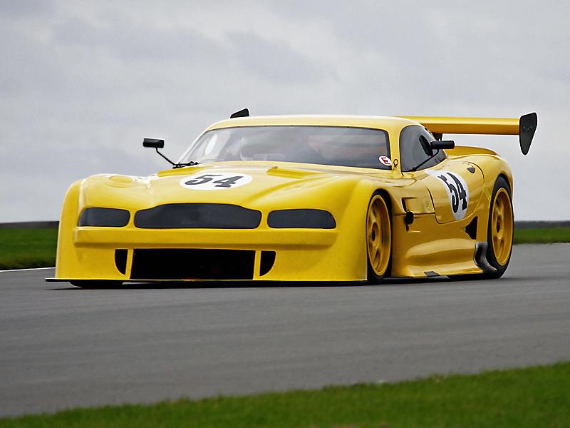 Aston GT700-R