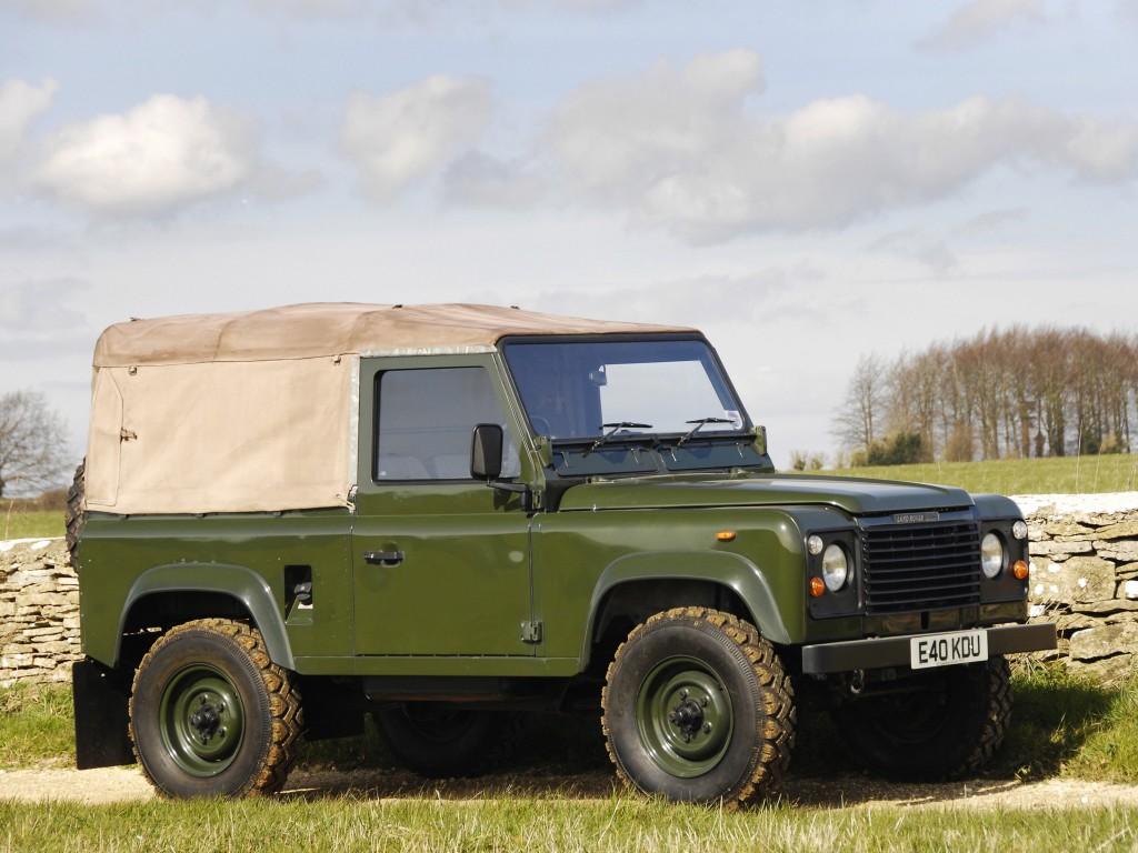 Land-Rover-90
