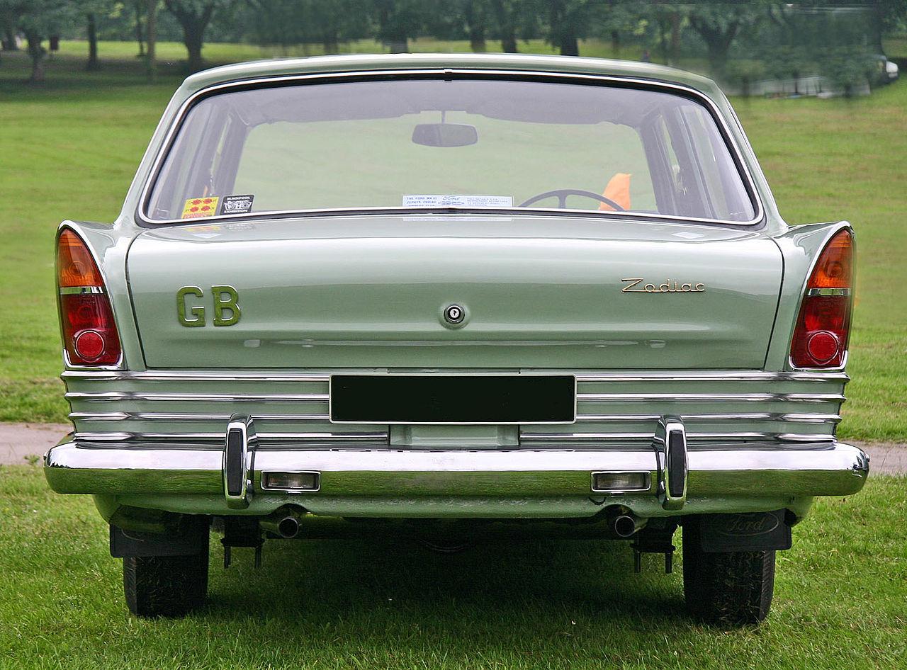 Ford_Zodiac_MkIII_tail