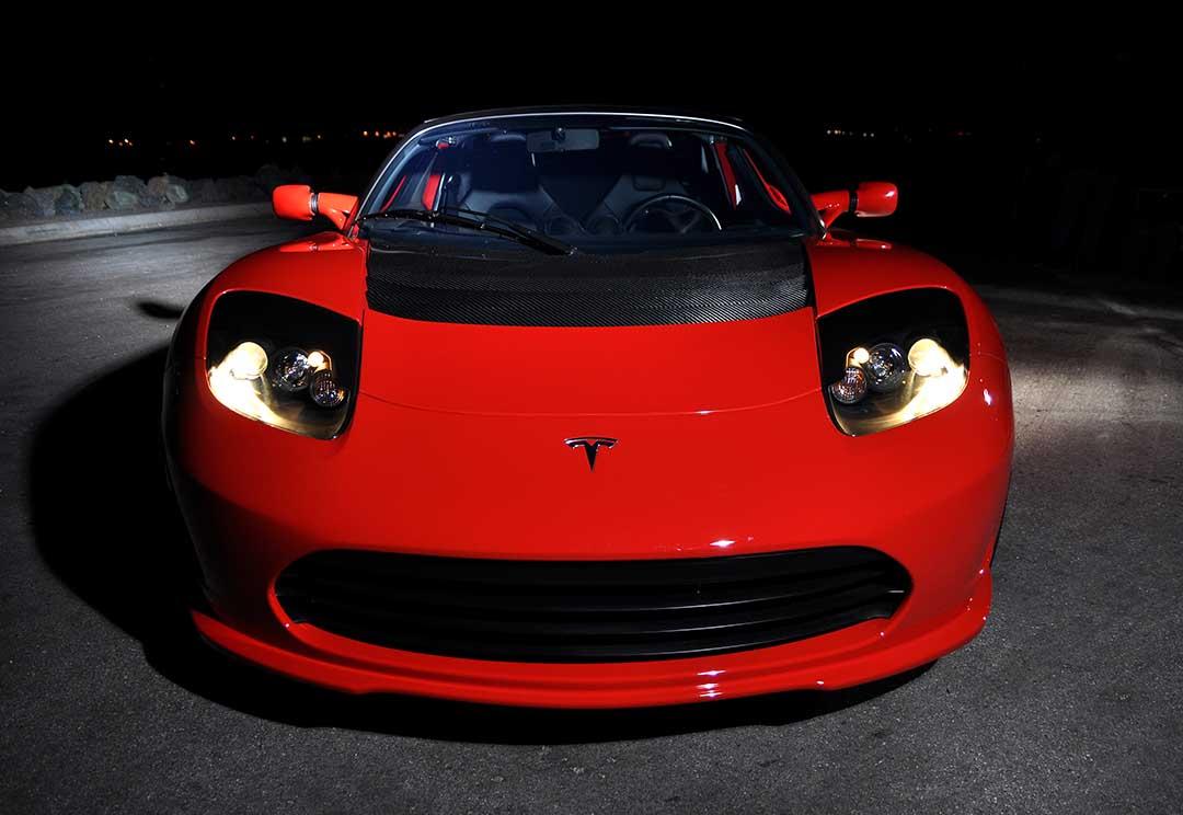 Tesla-Roadster-101
