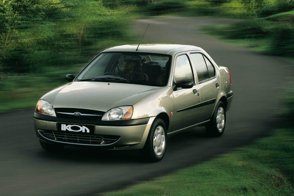 Ford Ikon 2000