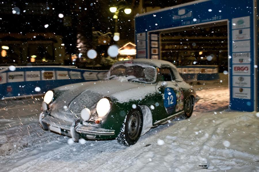 Porsche Winter Marathon green
