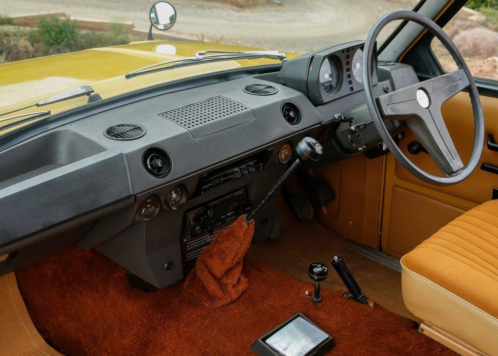 land_rover-range_rover-1970-1600-28