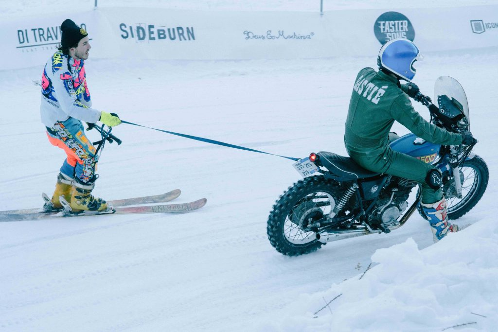 Snow Quake motorcycle ski