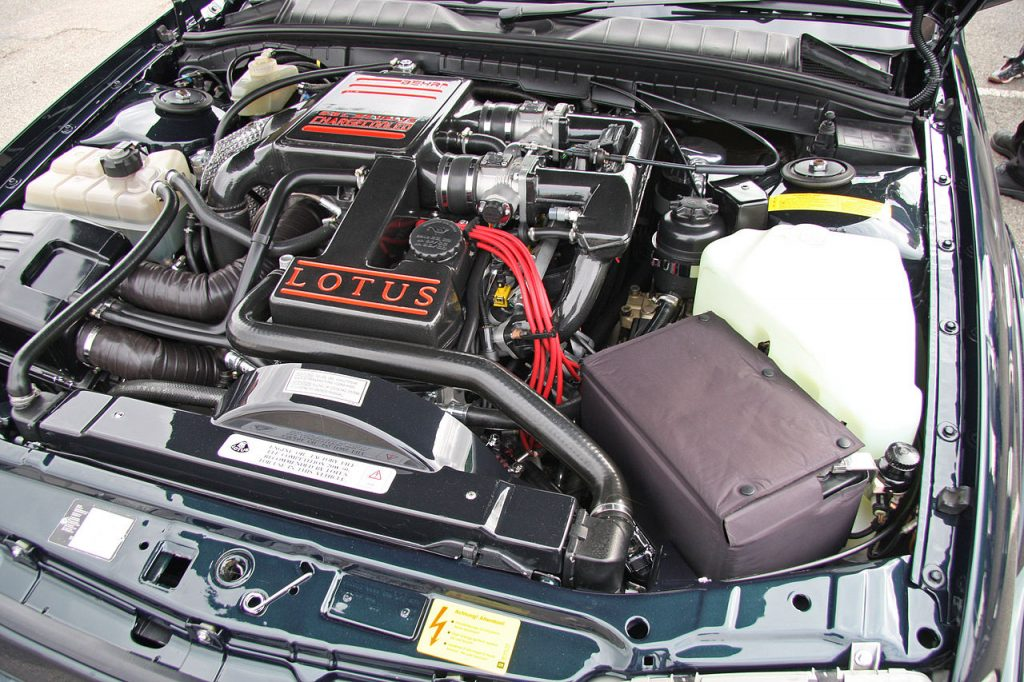 Lotus Carlton engine bay