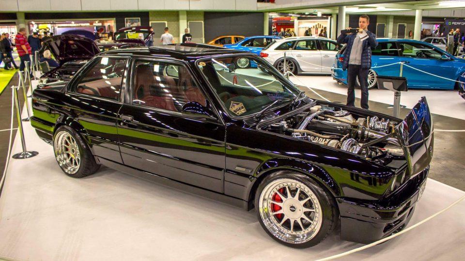 BMW E30 exterior