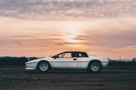 Lotus Esprit profile