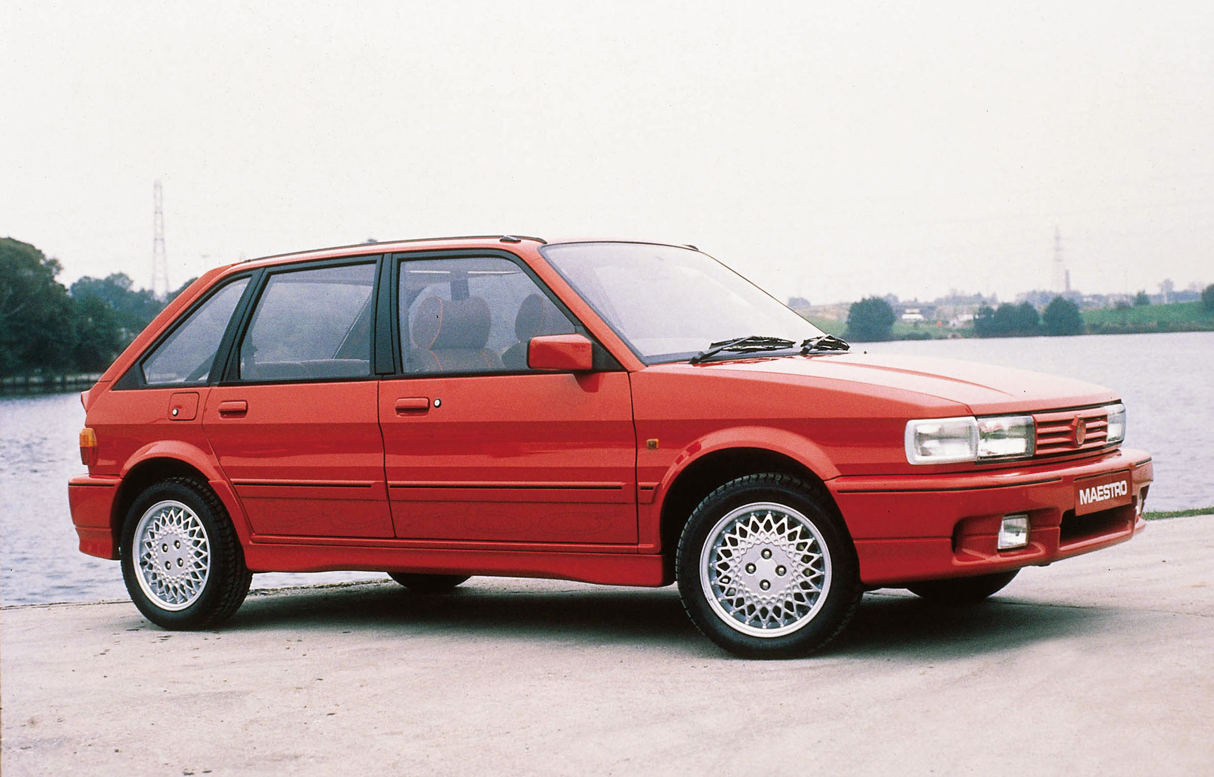 Red MG Maestro