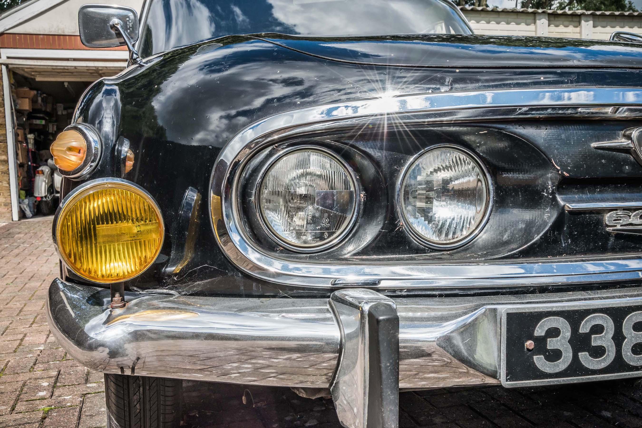 Tatra 603 headlamps