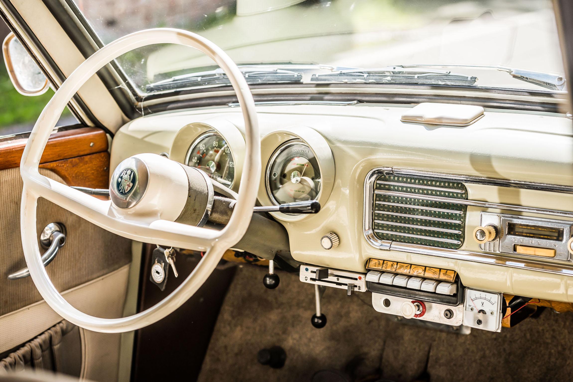 Wartburg 1000 interior