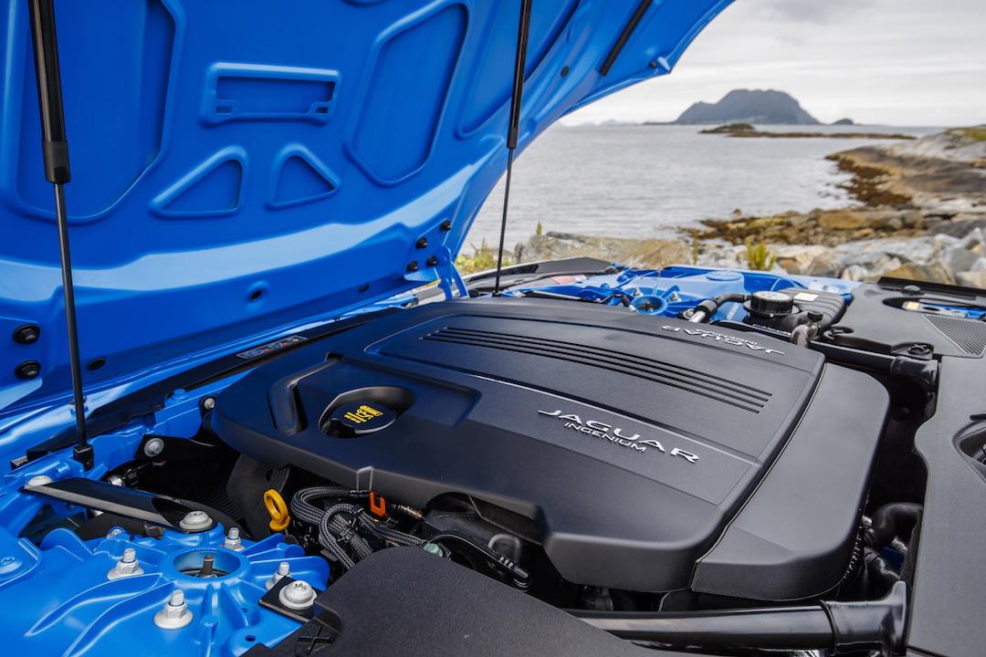 Jaguar 4 cylinder engine
