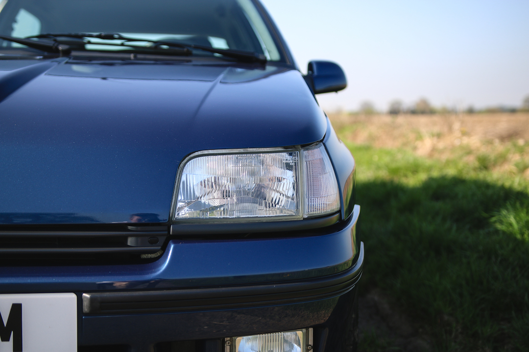 Clio Williams headlight