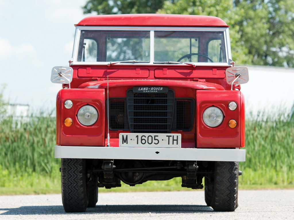 The Land Rover Series 2 from the front